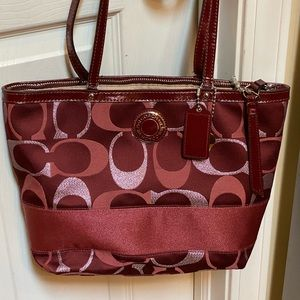 "Authentic Coach Purse classic ""C"" red"